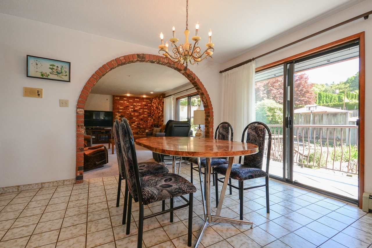 Photo 8: Photos: 1230 PHILLIPS AVENUE in Burnaby: Simon Fraser Univer. House for sale (Burnaby North)  : MLS®# R2288510