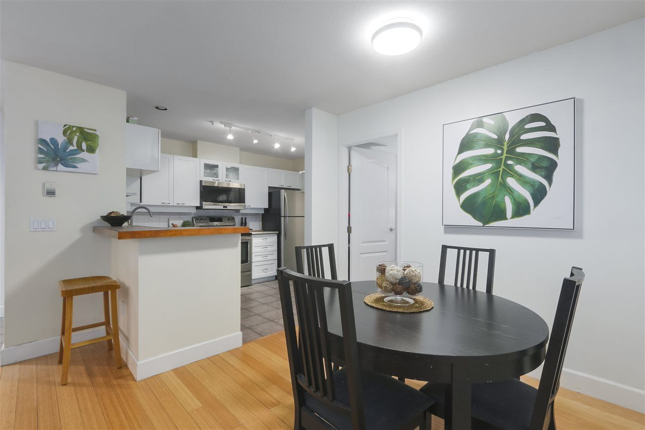 """Photo 4: Photos: 103 657 W 7TH Avenue in Vancouver: Fairview VW Townhouse for sale in """"THE IVYS"""" (Vancouver West)  : MLS®# R2348649"""
