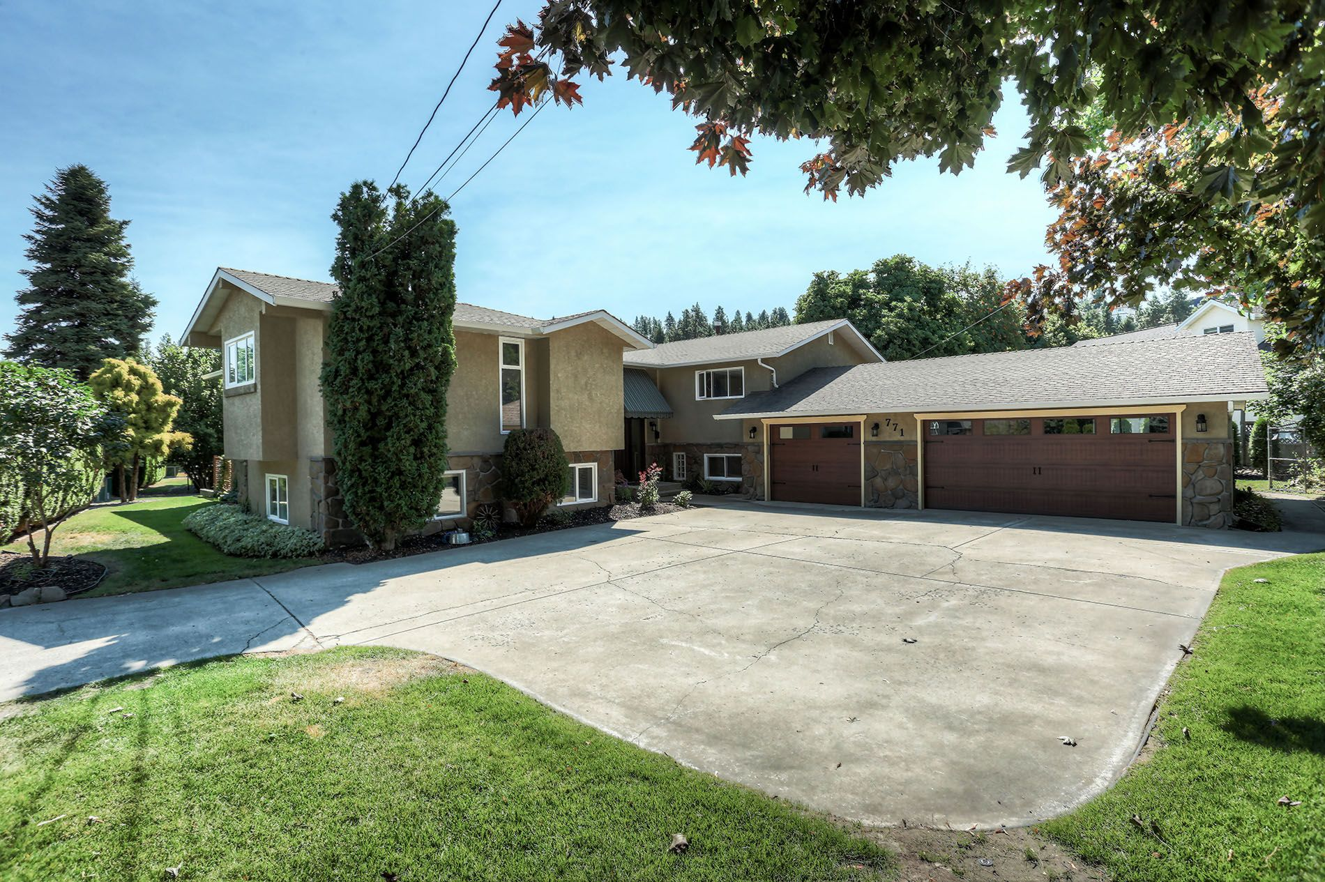 Main Photo: 771 Torrs Road in Kelowna: Lower Mission House for sale (Central Okanagan)  : MLS®# 10179662