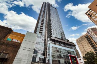 """Photo 1: 1105 833 SEYMOUR Street in Vancouver: Downtown VW Condo for sale in """"Capitol Residences"""" (Vancouver West)  : MLS®# R2499995"""