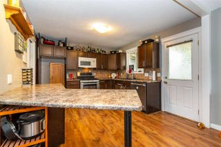 Photo 5: 10584 CONRAD Street in Chilliwack: Fairfield Island House for sale : MLS®# R2563241