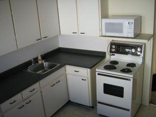 Photo 3: 463 OLIVE Street in WINNIPEG: St James Residential for sale (West Winnipeg)  : MLS®# 1021435