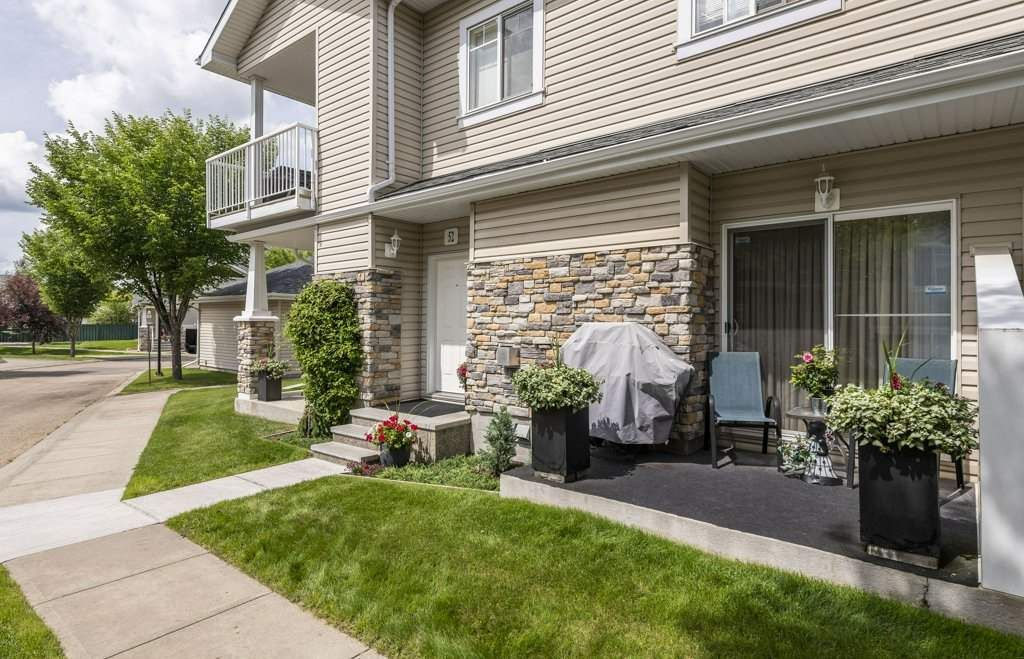 Main Photo: 52 2508 HANNA Crescent in Edmonton: Zone 14 Carriage for sale : MLS®# E4205917