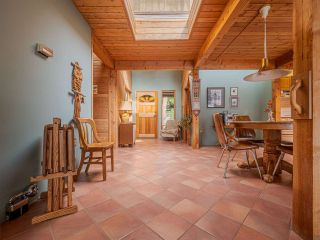 Photo 19: 9185 HYDAWAY Road in Sechelt: Halfmn Bay Secret Cv Redroofs House for sale (Sunshine Coast)  : MLS®# R2504559