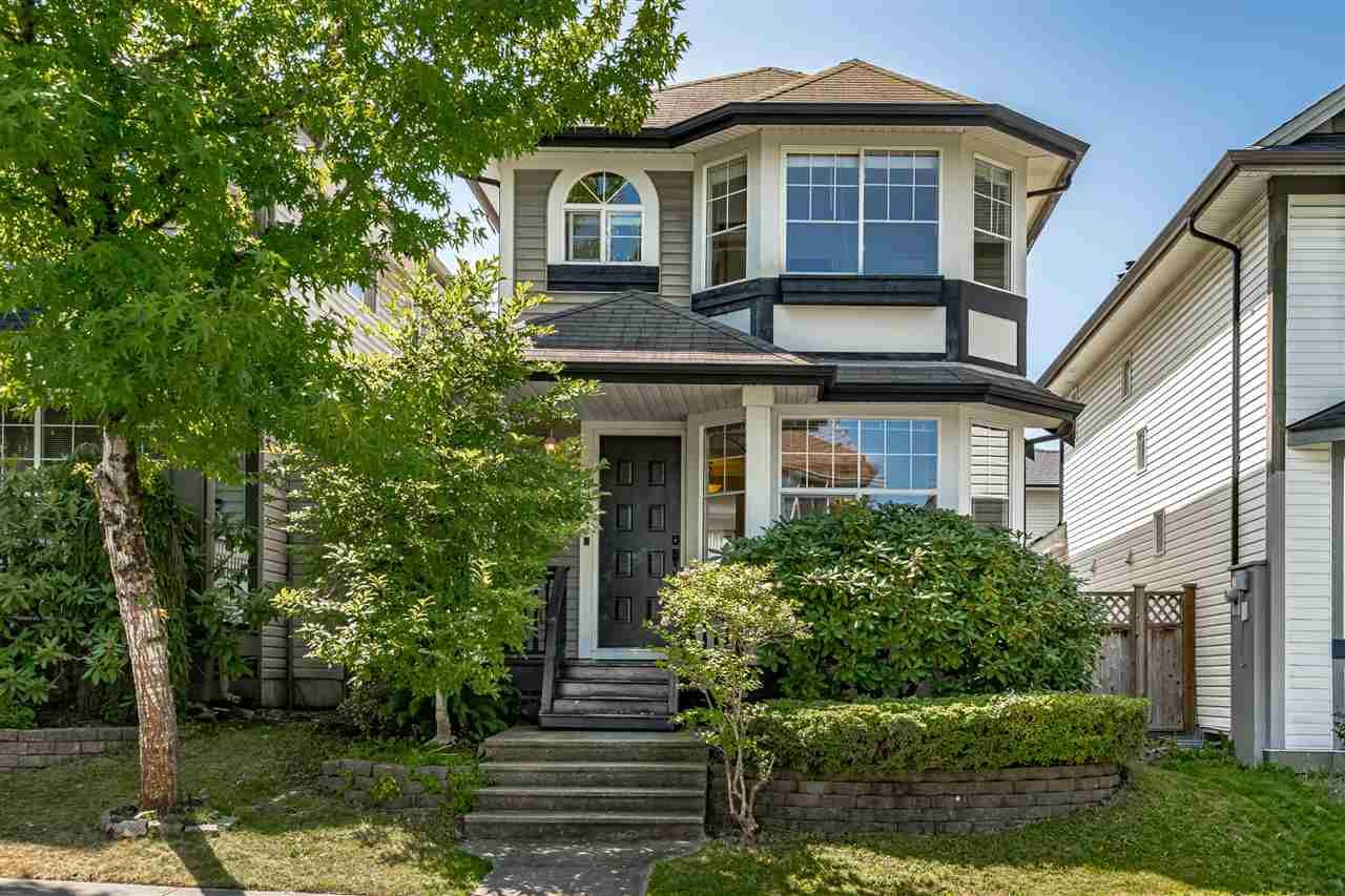 "Main Photo: 8693 206B Street in Langley: Walnut Grove House for sale in ""Discovery Town"" : MLS®# R2479160"