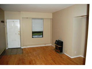Photo 2: 3625 PRINCE EDWARD Street in Vancouver: Main House for sale (Vancouver East)  : MLS®# V993588
