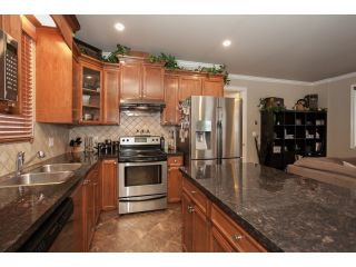 Photo 11: 19473 67A Avenue in Surrey: Clayton House for sale (Cloverdale)  : MLS®# R2035469