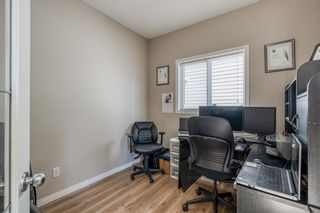 Photo 17: 32 ROCKYWOOD Park NW in Calgary: Rocky Ridge Detached for sale : MLS®# A1091115