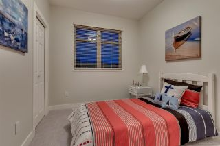 Photo 14: 1382 E 17TH Avenue in Vancouver: Knight 1/2 Duplex for sale (Vancouver East)  : MLS®# R2115245