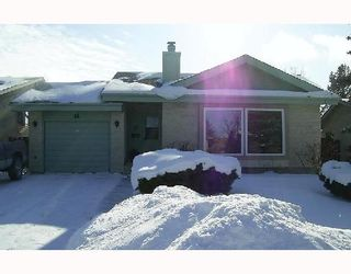 Photo 1: 14 WOODFIELD Bay in WINNIPEG: Charleswood Residential for sale (South Winnipeg)  : MLS®# 2802619