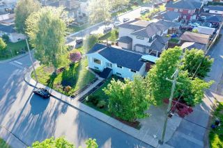 Photo 5: 7433 ELWELL Street in Burnaby: Highgate House for sale (Burnaby South)  : MLS®# R2589484