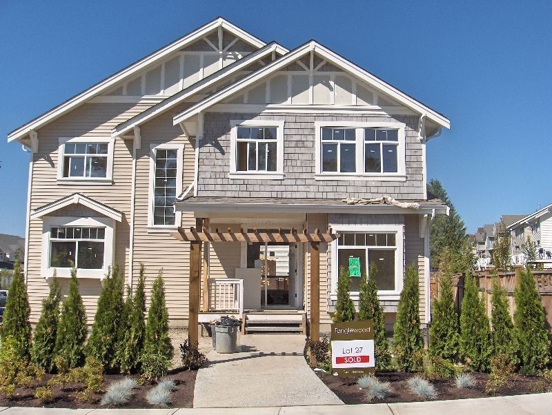 Main Photo: 6775 206 Street in Langley: House for sale : MLS®# F2613916