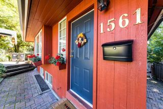 """Photo 2: 1561 DOVERCOURT Road in North Vancouver: Lynn Valley House for sale in """"Lynn Valley"""" : MLS®# R2502418"""