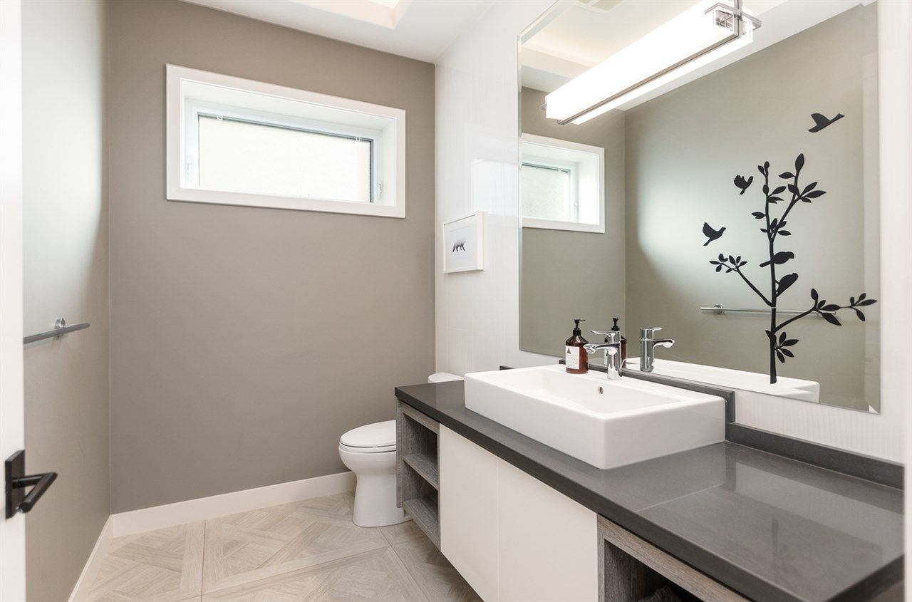 """Photo 5: Photos: 894 W 19TH Avenue in Vancouver: Cambie House for sale in """"CAMBIE"""" (Vancouver West)  : MLS®# R2484635"""