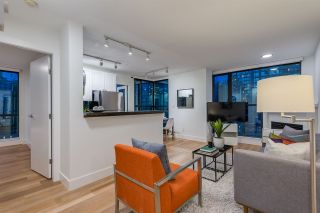 """Photo 5: 1403 928 RICHARDS Street in Vancouver: Yaletown Condo for sale in """"THE SAVOY"""" (Vancouver West)  : MLS®# R2461037"""