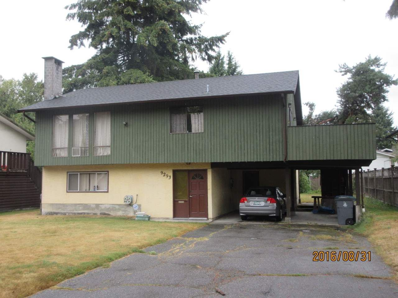 Main Photo: 9293 CINNAMON DRIVE in : Queen Mary Park Surrey House for sale : MLS®# R2105423