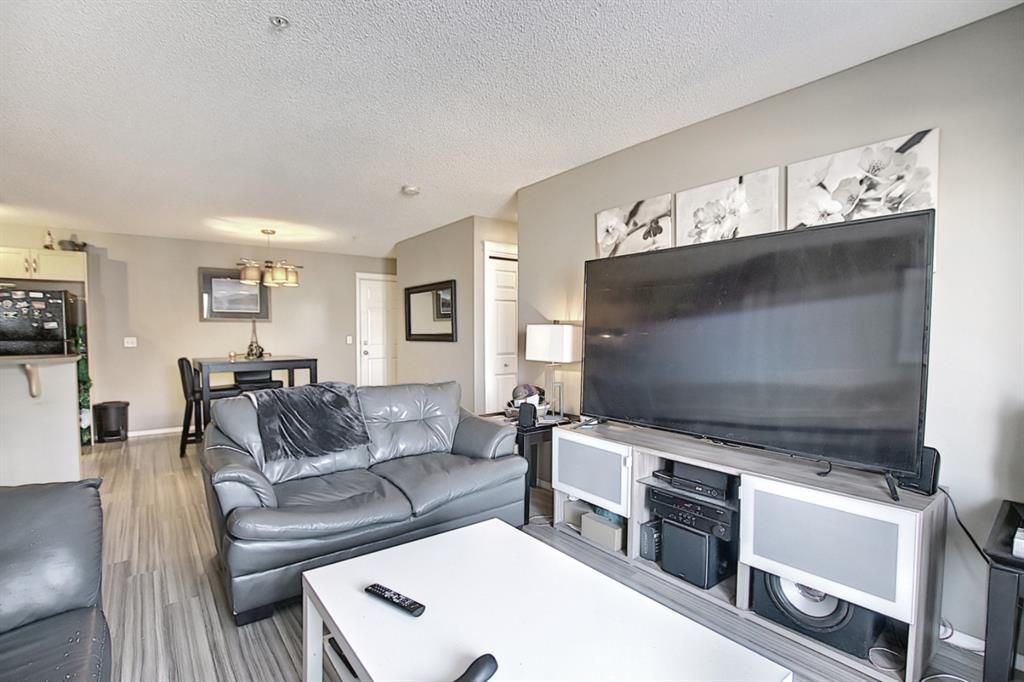 Photo 10: Photos: 2211 43 Country Village Lane NE in Calgary: Country Hills Village Apartment for sale : MLS®# A1085719