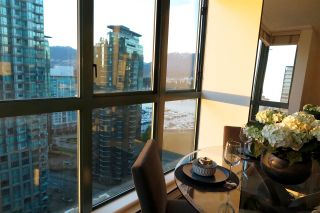Photo 12: 2001 1238 MELVILLE STREET in Vancouver: Coal Harbour Condo for sale (Vancouver West)  : MLS®# R2051122
