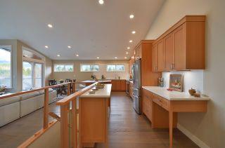 Photo 6: 6532 N GALE AVENUE in Sechelt: Sechelt District House for sale (Sunshine Coast)  : MLS®# R2554802