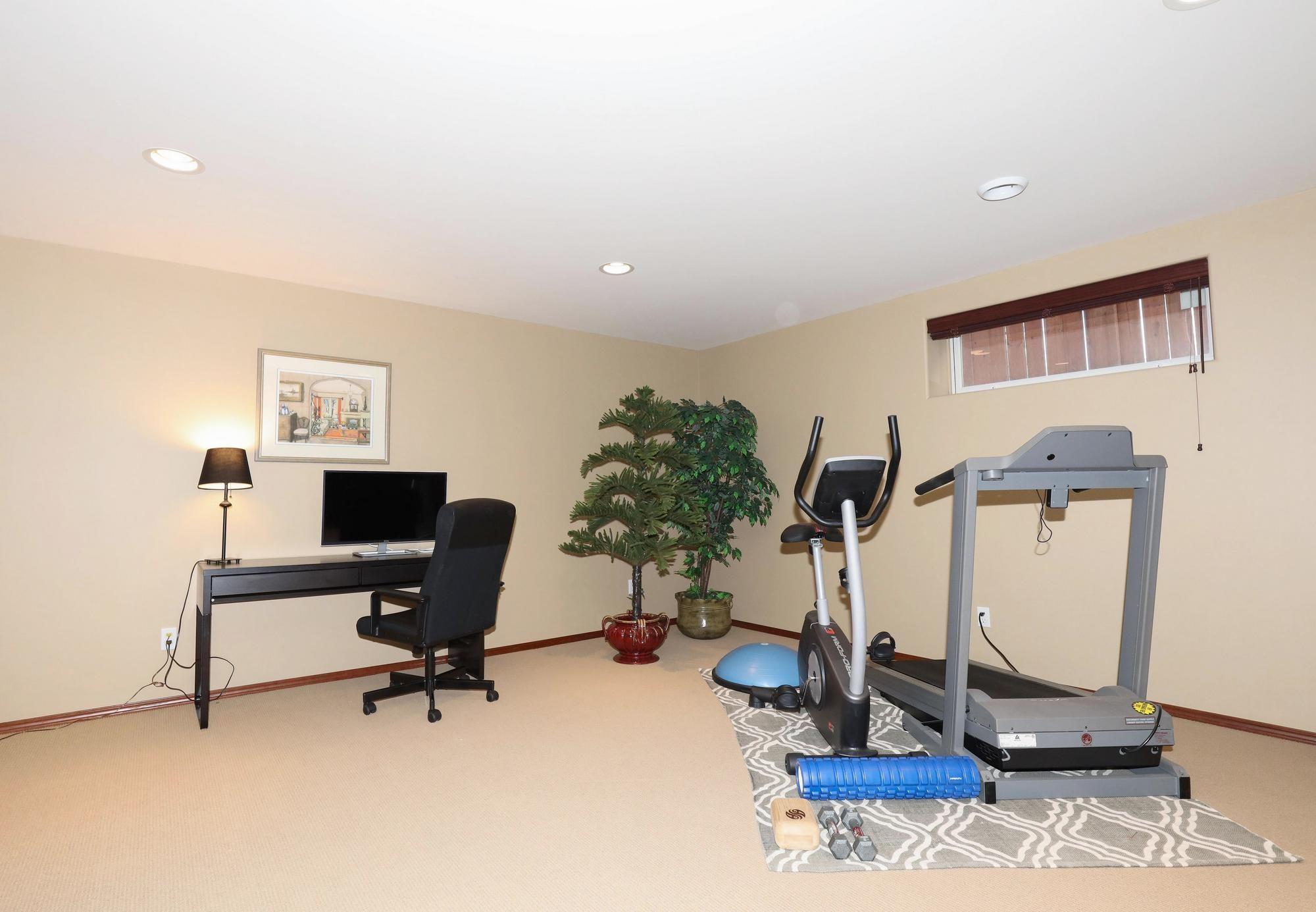 Photo 32: Photos: 7 Castle Ridge Drive in Winnipeg: Linden Ridge Single Family Detached for sale (1M)  : MLS®# 202107901