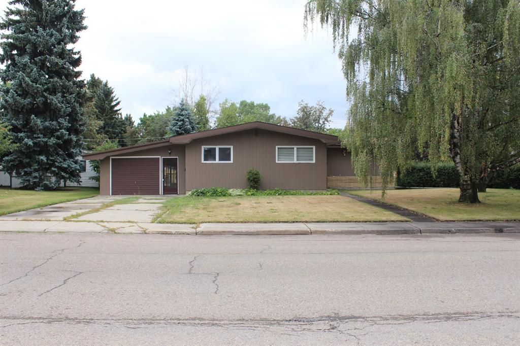 Main Photo: 5621 52 Street: Olds Detached for sale : MLS®# A1140338
