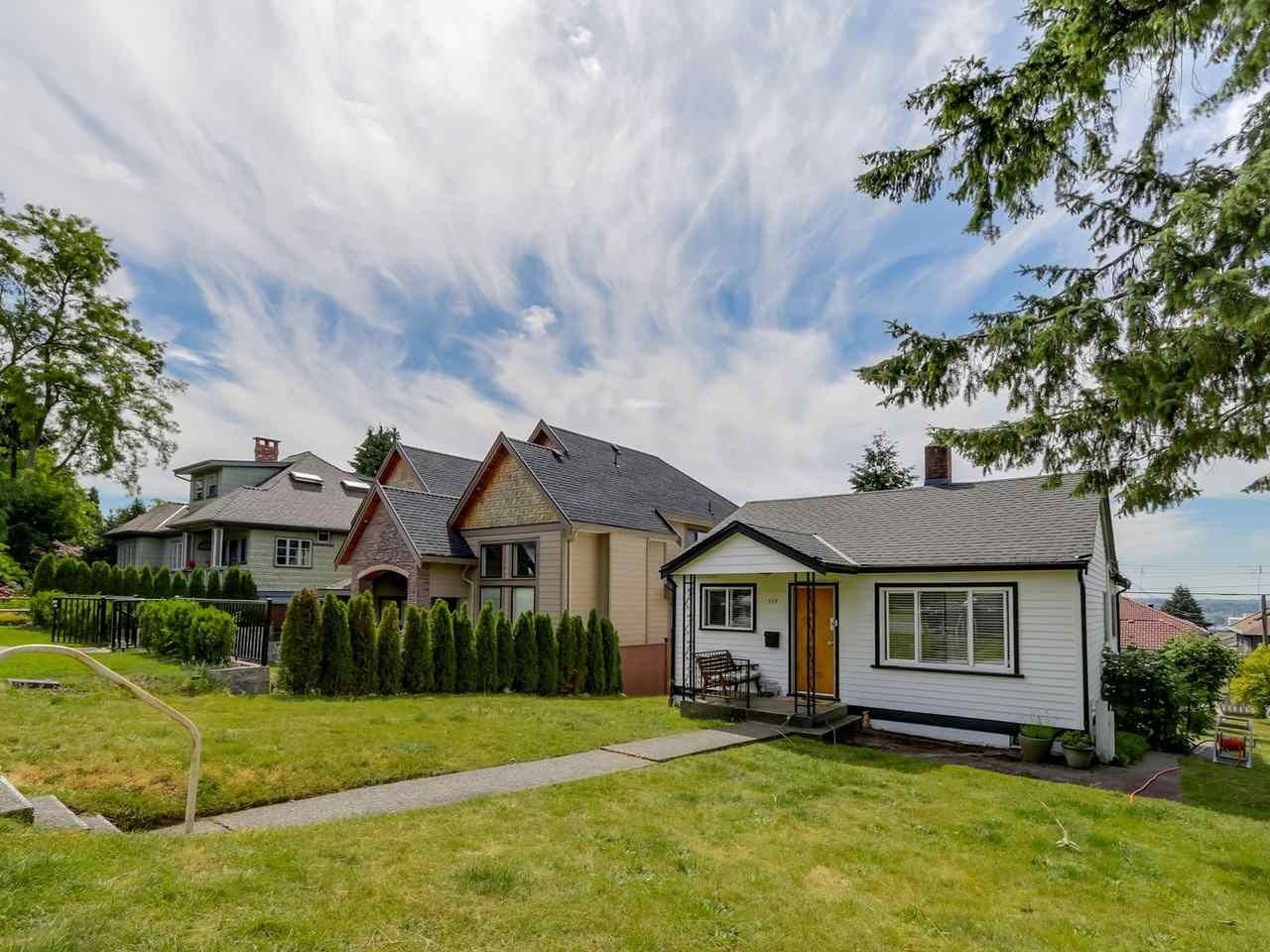 Main Photo: 523 E 5TH Street in North Vancouver: Lower Lonsdale House for sale : MLS®# R2077886