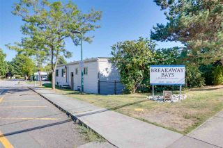 """Photo 25: 326 1840 160 Street in Surrey: King George Corridor Manufactured Home for sale in """"BREAKAWAY BAYS"""" (South Surrey White Rock)  : MLS®# R2489380"""