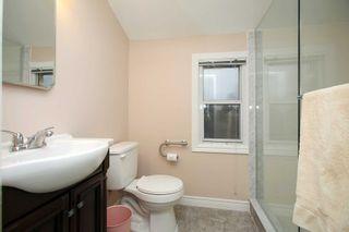 Photo 12: 115 W Beatrice Street in Oshawa: Centennial House (1 1/2 Storey) for sale : MLS®# E5103401