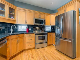 Photo 9: 1526 19 Avenue NW in Calgary: Capitol Hill Detached for sale : MLS®# A1031732