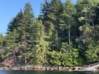 "Photo 2: 4147 FRANCIS PENINSULA Road in Madeira Park: Pender Harbour Egmont Land for sale in ""BEAVER ISLAND"" (Sunshine Coast)  : MLS®# R2393294"