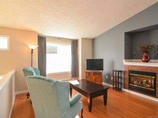 Photo 2: A 910 1st St in COURTENAY: CV Courtenay City Half Duplex for sale (Comox Valley)  : MLS®# 752438