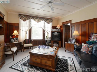 Photo 4: 907 Raynor in Victoria: Victoria West Home for sale : MLS®# 376909