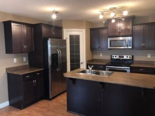 Photo 2: 1559 Rutherford Road in Edmonton: Zone 55 House Half Duplex for sale : MLS®# E4225533