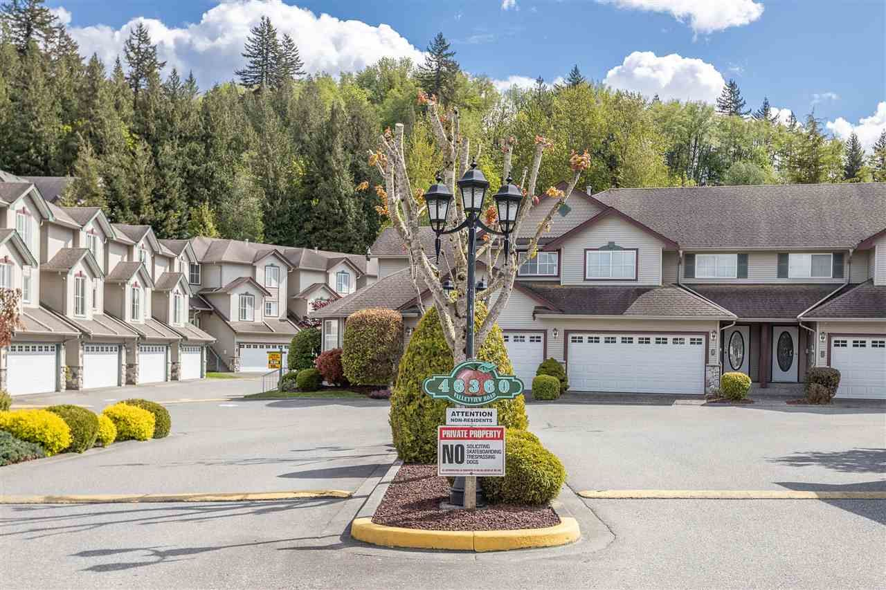 """Main Photo: 151 46360 VALLEYVIEW Road in Chilliwack: Promontory Townhouse for sale in """"Apple Creek"""" (Sardis)  : MLS®# R2454419"""