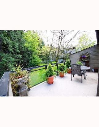 """Photo 3: 5745 MAYVIEW Circle in Burnaby: Burnaby Lake Townhouse for sale in """"ONE ARBOR LANE"""" (Burnaby South)  : MLS®# V645209"""