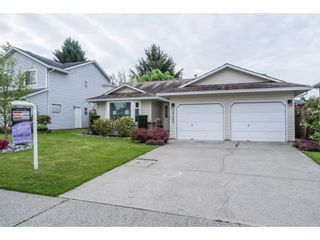 Photo 2: 20440 WALNUT Crescent in Maple Ridge: Southwest Maple Ridge House for sale : MLS®# R2164785
