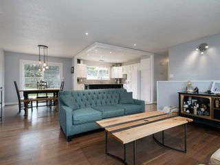 Photo 5: 627 Vanalman Ave in : SW Northridge House for sale (Saanich West)  : MLS®# 867077