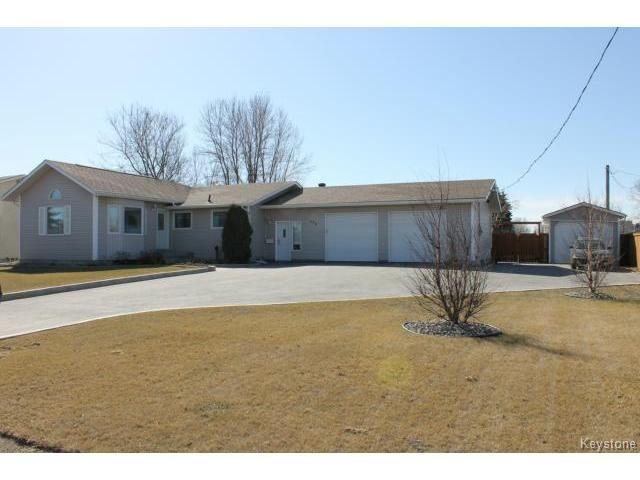 Main Photo: 328 Grassie Boulevard in WINNIPEG: North Kildonan Residential for sale (North East Winnipeg)  : MLS®# 1509103