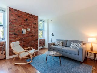 """Photo 3: 404 233 ABBOTT Street in Vancouver: Downtown VW Condo for sale in """"Abbott Place"""" (Vancouver West)  : MLS®# R2617802"""