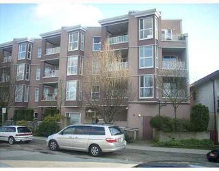 "Photo 1: 401 1688 E 8TH Avenue in Vancouver: Grandview VE Condo for sale in ""LA RESIDENZA"" (Vancouver East)  : MLS®# V698942"