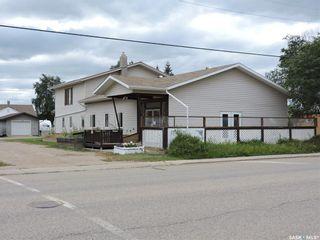 Photo 2: 221 1st Avenue North in Sturgis: Multi-Family for sale : MLS®# SK870138