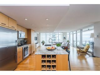 """Photo 3: 1607 1455 GEORGE Street: White Rock Condo for sale in """"Avra"""" (South Surrey White Rock)  : MLS®# R2558327"""