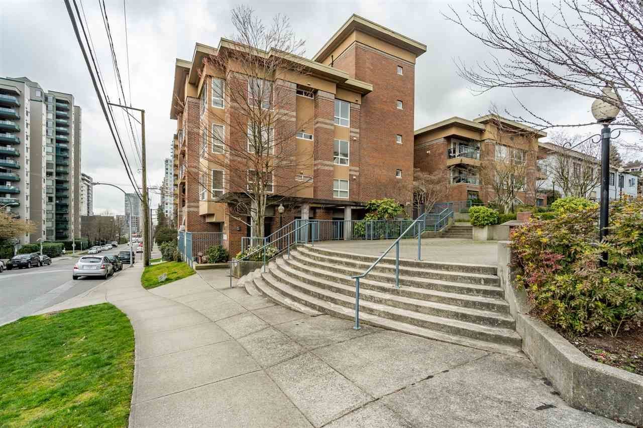 Main Photo: 304 335 CARNARVON STREET in New Westminster: Downtown NW Condo for sale : MLS®# R2448151
