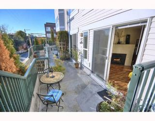"Photo 2: 204 2680 W 4TH Avenue in Vancouver: Kitsilano Condo for sale in ""THE STAR OF KITSILANO"" (Vancouver West)  : MLS®# V749238"