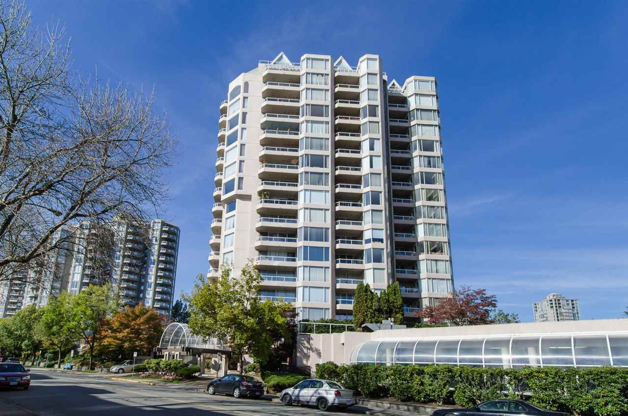 "Main Photo: 1606 1065 QUAYSIDE Drive in New Westminster: Quay Condo for sale in ""QUAY TOWER II"" : MLS(r) # R2190812"