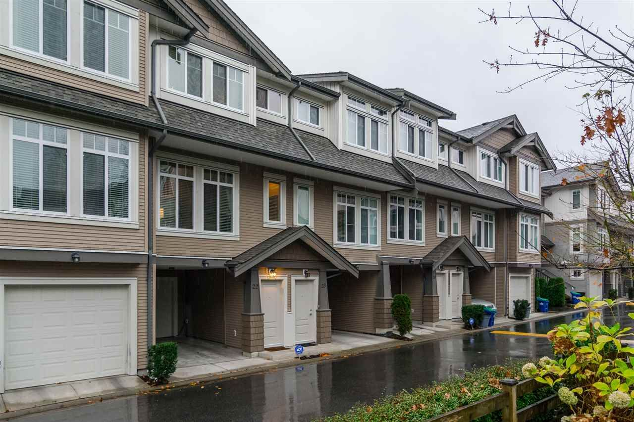 "Main Photo: 22 8250 209B Street in Langley: Willoughby Heights Townhouse for sale in ""Outlook"" : MLS®# R2125086"