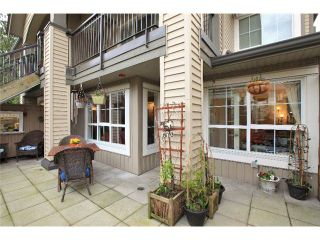 Photo 1: 1135 ROSS Road in North Vancouver: Lynn Valley Condo for sale : MLS®# V995721