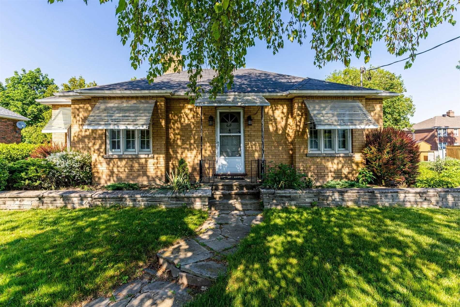 Main Photo: 45 Central Park Boulevard in Oshawa: Central House (Bungalow) for sale : MLS®# E5276430