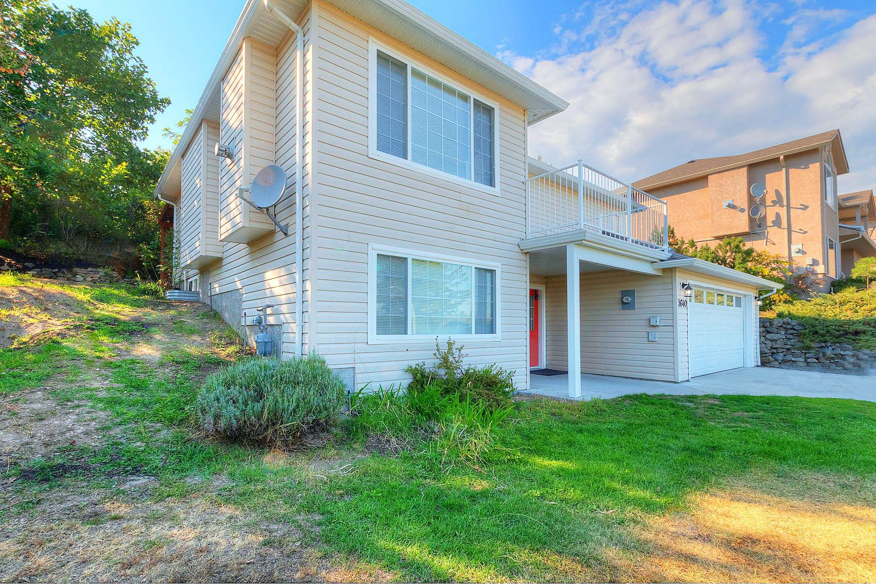 Main Photo: 3640 Webber Road in West Kelowna: Glenrosa House for sale (Central Okanagan)  : MLS®# 10239925