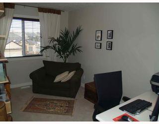 Photo 11: 203 Royal Ridge Mount NW in Calgary: Royal Oak Residential Detached Single Family for sale : MLS®# C3376574